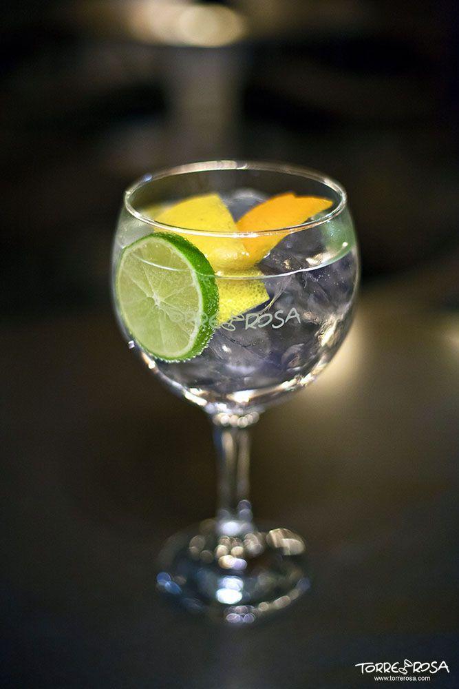 gin-tonic Mombassa Club