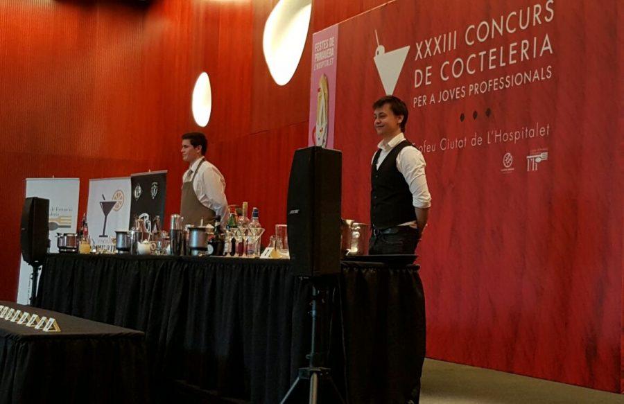 El barman Victor Launay en el concurso de coctelería